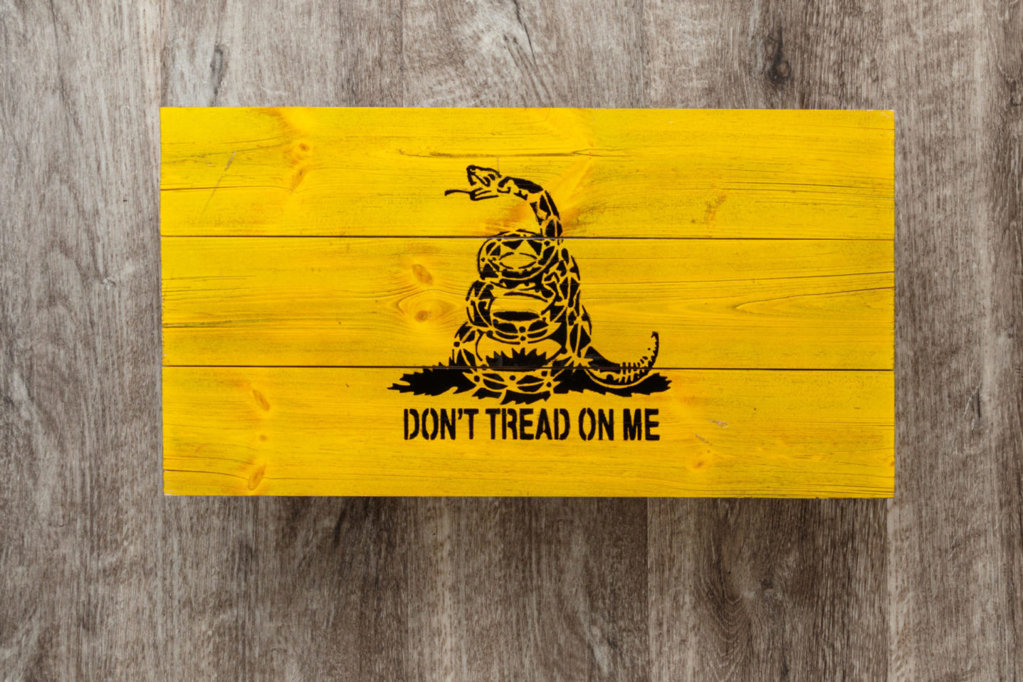 Don't tread on me wooden American flag wall art